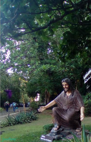 via dolorosa in antipolo garden near the chapel